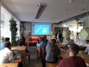 Teilnehmer Crypto Meetup Mainz im April im Coworking M1