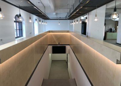Gutenberg Digital Hub Gang und Treppe in den Keller