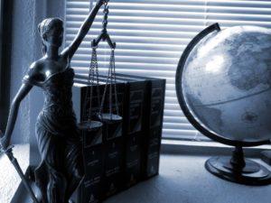 Regulierung und Recht